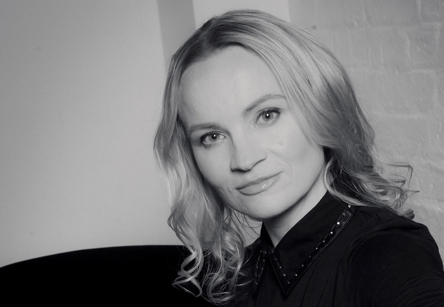 Dr Kat Bennett